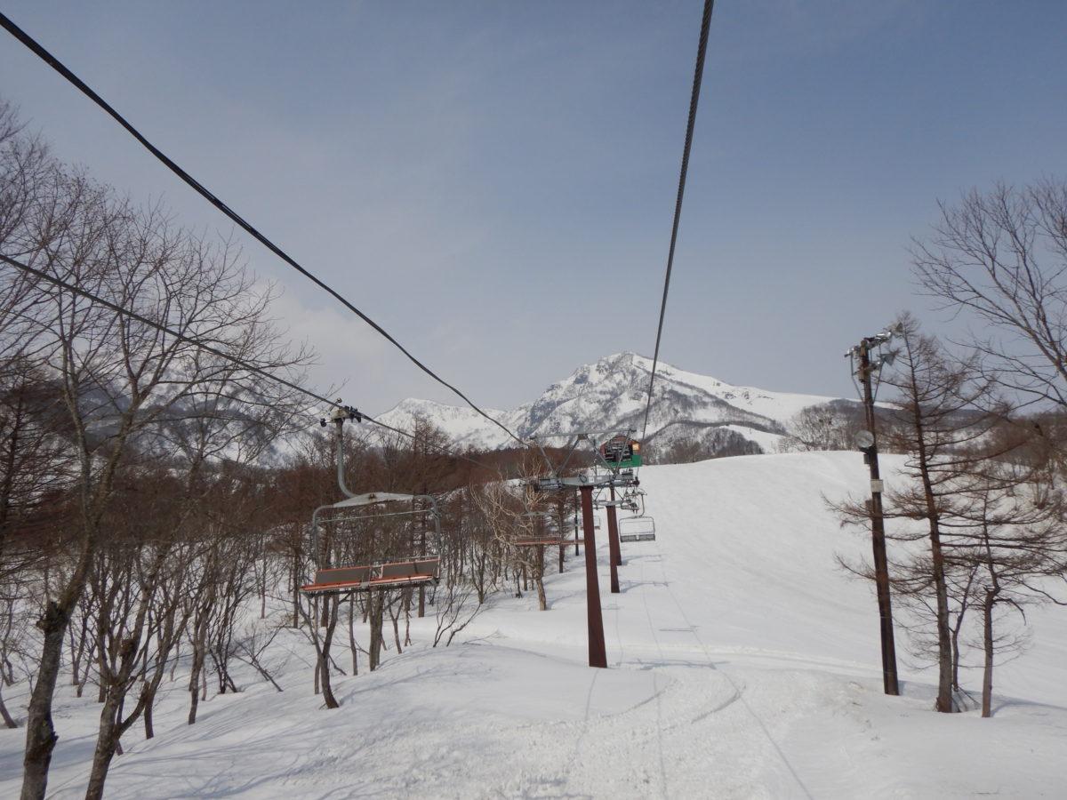 赤倉温泉スキー場3月下旬の口コミ!混雑状況や積雪量、雪質は?